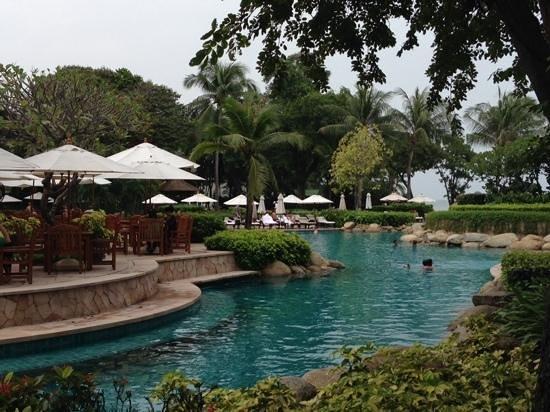 Hyatt Regency Hua Hin: The Pool Area.....magic!