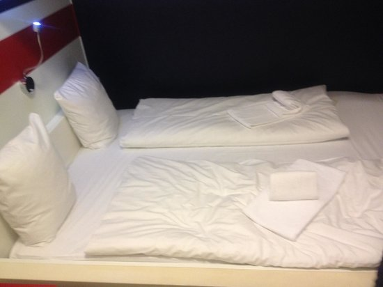 Hotel Micro: Double bed