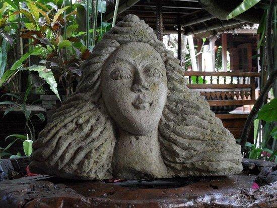 Miro's Garden Restaurant: Gardens