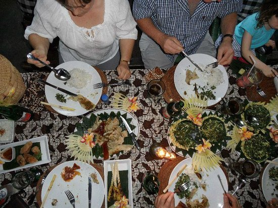 Miro's Garden Restaurant: Babi Guling