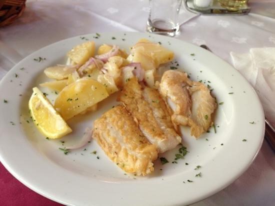 restoran ellas: fish, a bit too salty