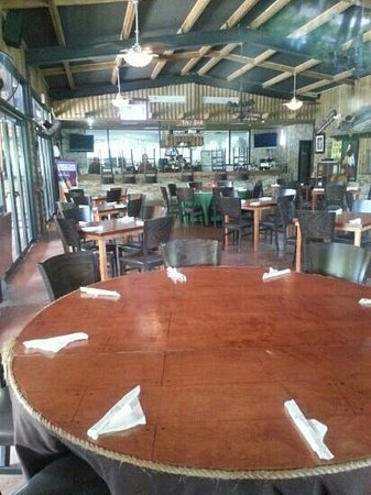 Carabali Rainforest Park: the restaurant
