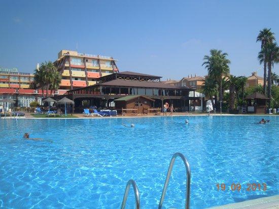 ILUNION Islantilla: Bar y piscina que hemos disfrutado tanto