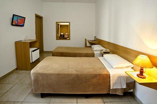 Terra Nobre Plaza Hotel: Quarto duplo superior com 2 camas de solteiro
