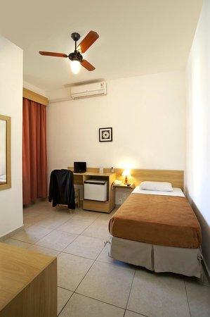 Terra Nobre Plaza Hotel: Quarto solteiro superior