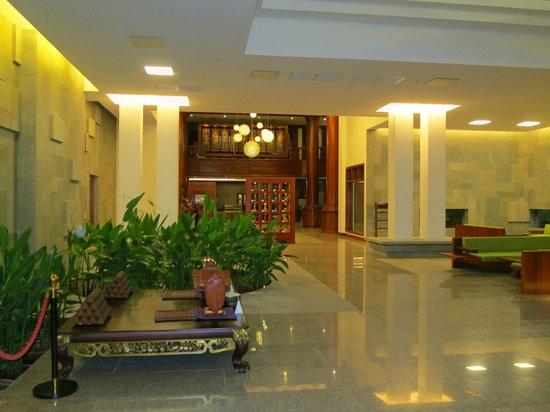 Borei Angkor Resort & Spa: L'ingresso