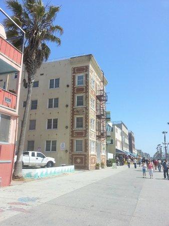 Venice Suites : Facade