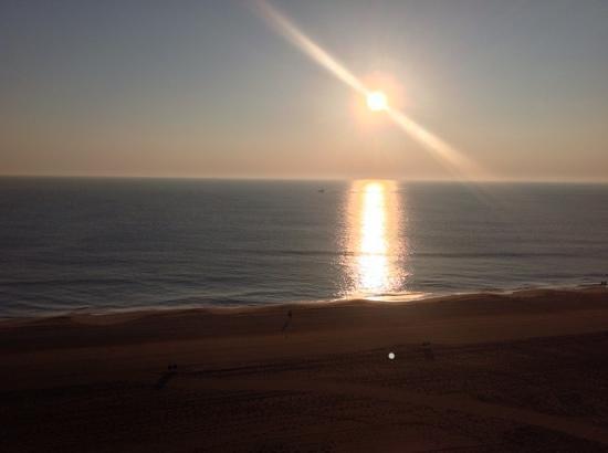 Fairfield Inn & Suites Virginia Beach Oceanfront: morning view