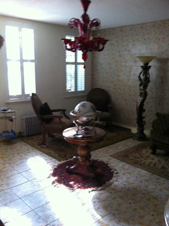 Thomas Family B&B : Salon du bas