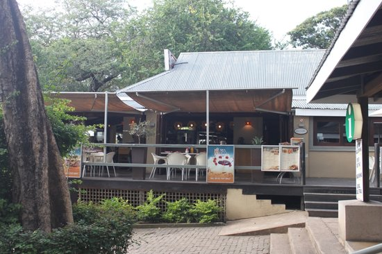 Kuka Restaurant and Cocktail Lounge : Kuka entrance