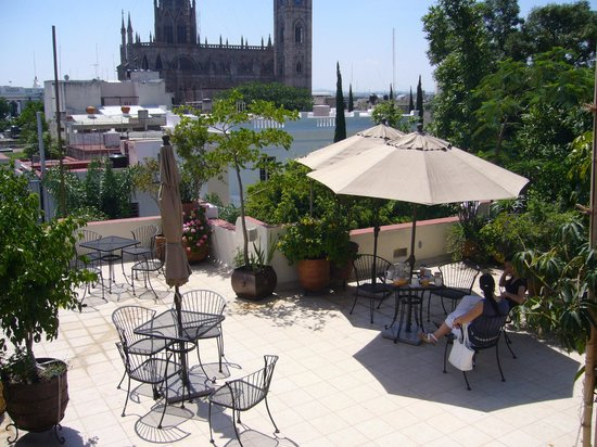 La Perla Hotel Boutique B&B : rooftop with view of the cathedral