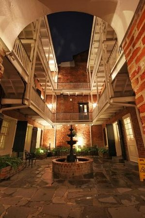 Hotel Royal: The courtyard