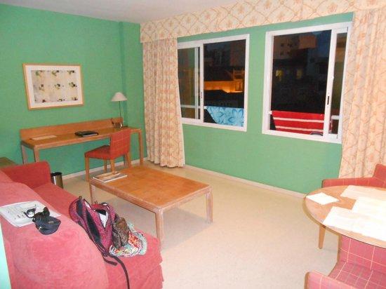 Hotel Jardines del Turia: living room of the aparthment