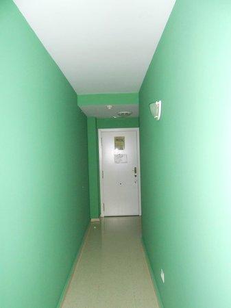 Hotel Jardines del Turia: hallway