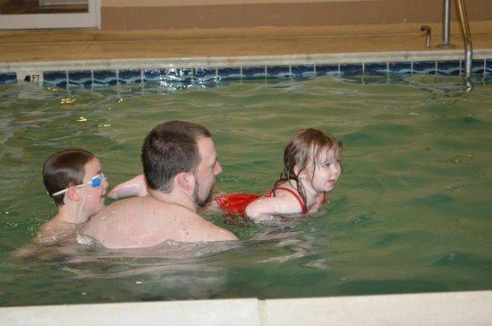 Baymont Inn & Suites Elizabethtown: Family Fun in the Pool area