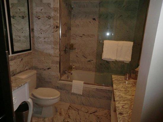 Viceroy Santa Monica: Salle de bain