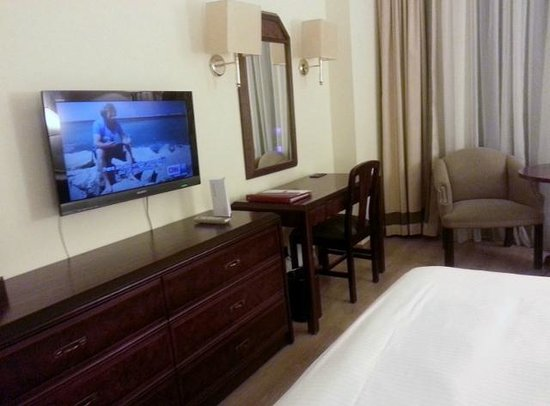 Le Commodore Hotel: Double Room amenities