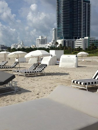 W South Beach: Playa