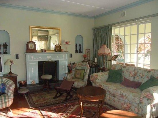 Holme Lodge: The homes lounge
