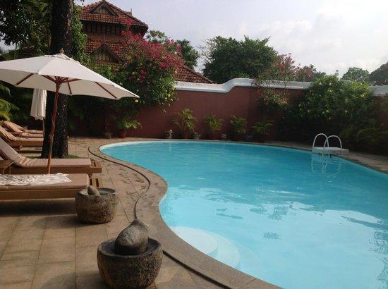 Raheem Residency: cool down in the pool