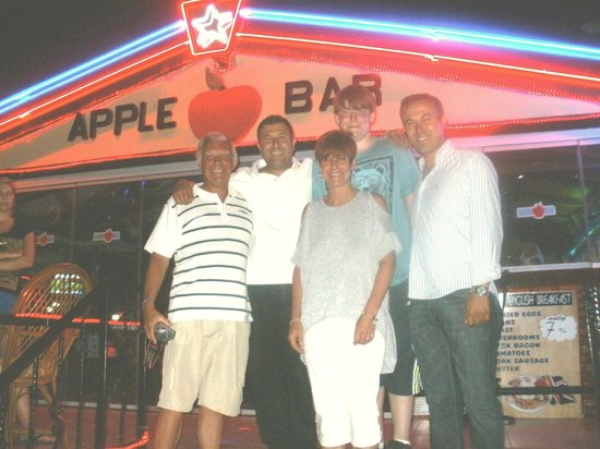 Apple Bar Marmaris: With the 'Bros' at The Apple bar