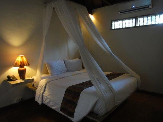 D'Tunjung Beach Resort : ベット