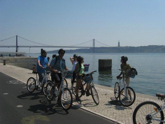 Lisbon Bike Tour : on the way to Belem