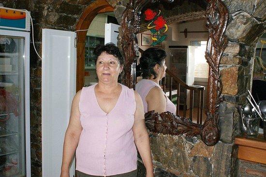 Faros Fish Restaurant: Mamma