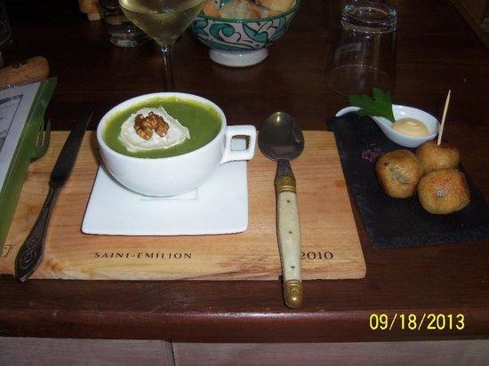 La Galerie : Broccoli Soup w/goat cheese and walnut