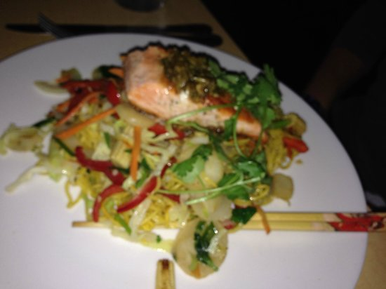 Miksa Restaurant: Salmon and a whole lot of noodles