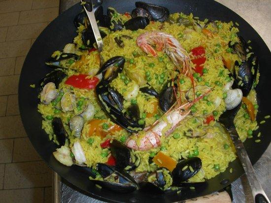 Paella de pescado foto di accademia dei concordi - Paella de pescado ...