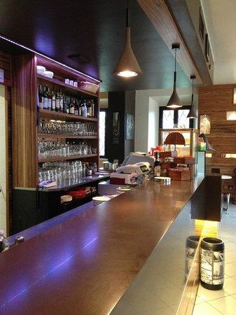 Bar Trattoria di Luigi Colombo & C. sas: bancone