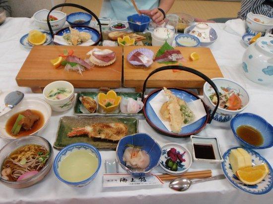 Hotel Kaijokan : 盛り沢山の夕食♪