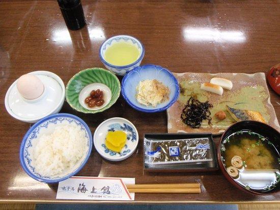 Hotel Kaijokan : 腹八分目の朝食
