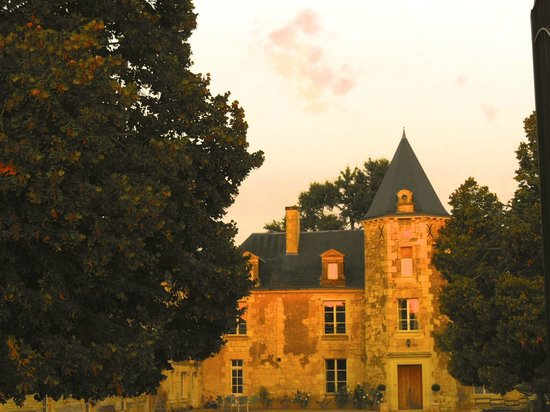 Loire Valley Retreat: Dusk at the Chateau