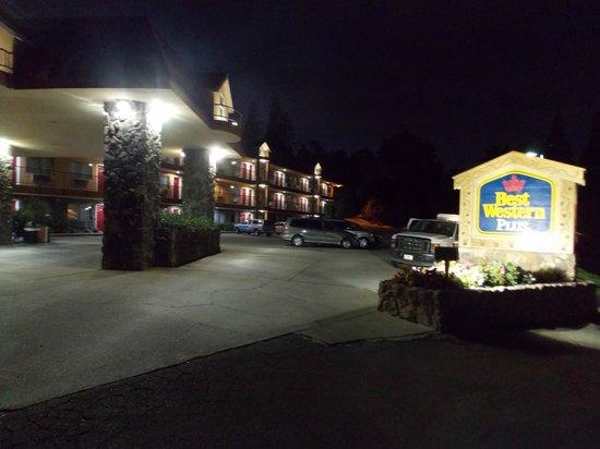 BEST WESTERN PLUS Yosemite Way Station Motel : Ingresso Hotel