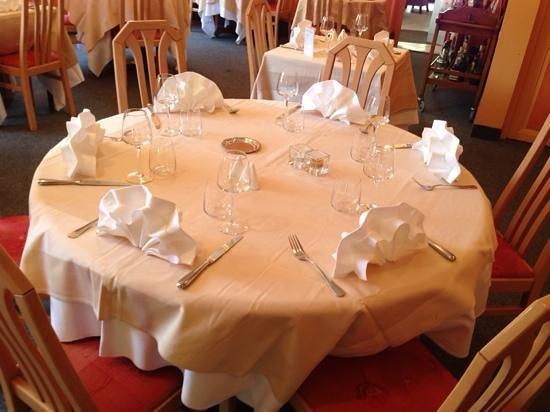 Ancy-le-Franc, France: table