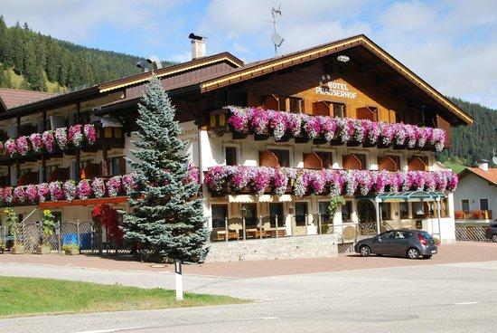 Hotel Pragserhof: Autre vue de l'hôtel