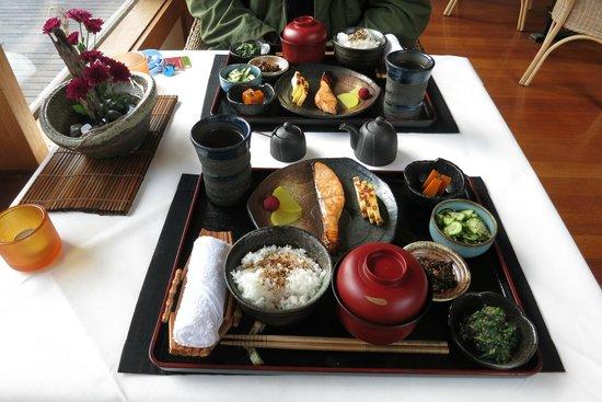 Shizuka Ryokan Japanese Country Spa Retreat: Japanese breakfast