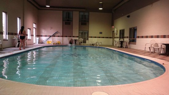 Quattro Hotel & Conf. Centre, an Ascend Hotel Collection Member : very big pool