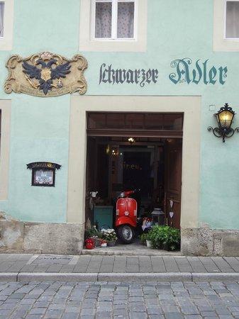 Gasthof Schwarzer Adler: l'uscita sulla strada