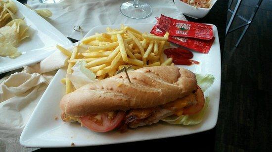 Cubus : Chicken cheese sandwich