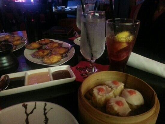 Buddha Garden: seafood shu mai and baked scallops with blue crab (my favorites)