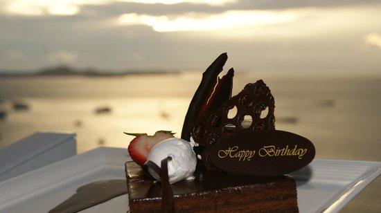 Hilton Pattaya: На День рождения жене отель сделал такой подарок