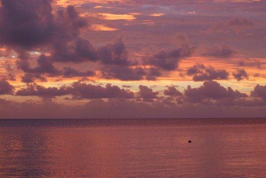 MAIA Luxury Resort & Spa: Sunset at Maia