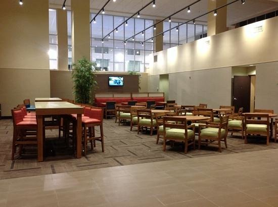 Hyatt Place Dewey Beach : Seating area for lounging or eating breakfast