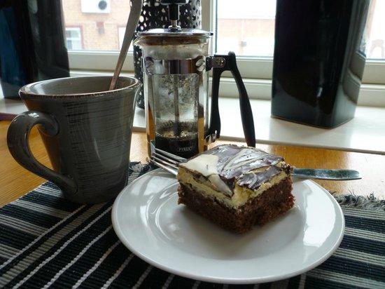 Cafe Safari: Coffee and cake