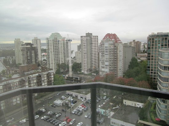Residence Inn by Marriott Vancouver Downtown: Looking West