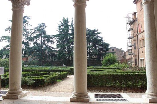 Museo Archeologico Nazionale: il giardino