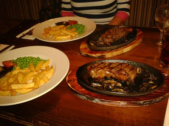 Raven Hotel: Sizzler time!! great value